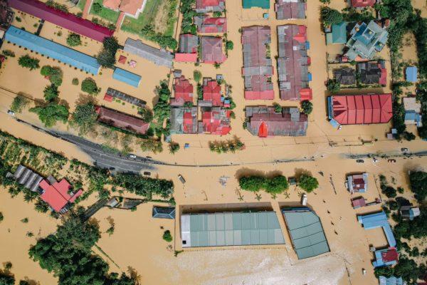 Achat immobilier en zone inondable : rentabilité, décote, revente