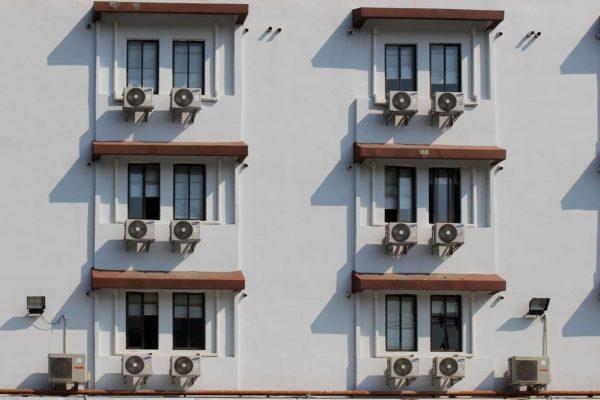 Qui paye l'entretien du climatiseur : locataire ou propriétaire ?