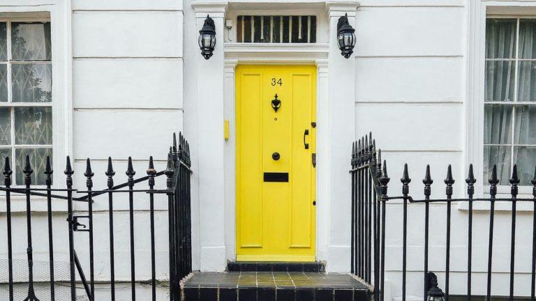 Réparation porte d'entrée locataire propriétaire