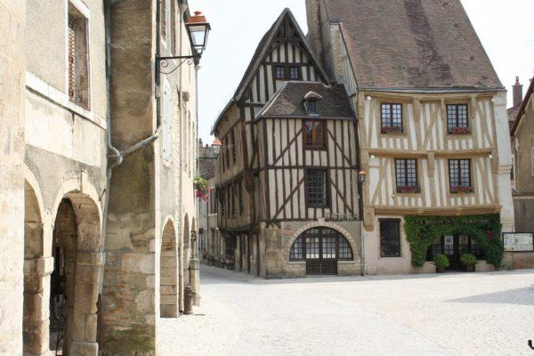 Tendances et prix de l'immobilier à Troyes