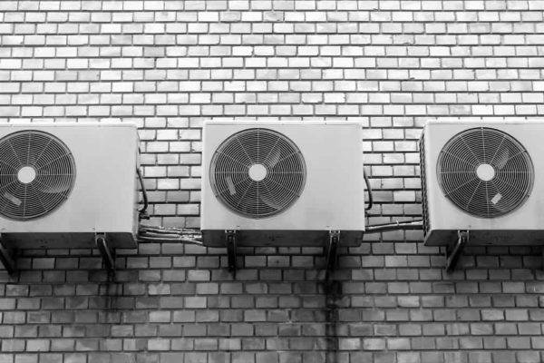 Distance entre voisins et pompe à chaleur : que dit la loi ?